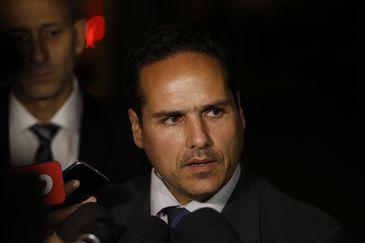 O advogado de defesa do agressor do deputado Jair Bolsonaro, Fernando Magalhães fala à imprensa.