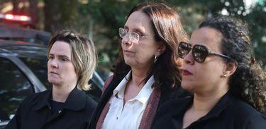 Andrea Neves, irmã do senador afastado Aécio Neves, é levada pela Polícia Federal para fazer exames no Instituto Médico Legal, após ser presa