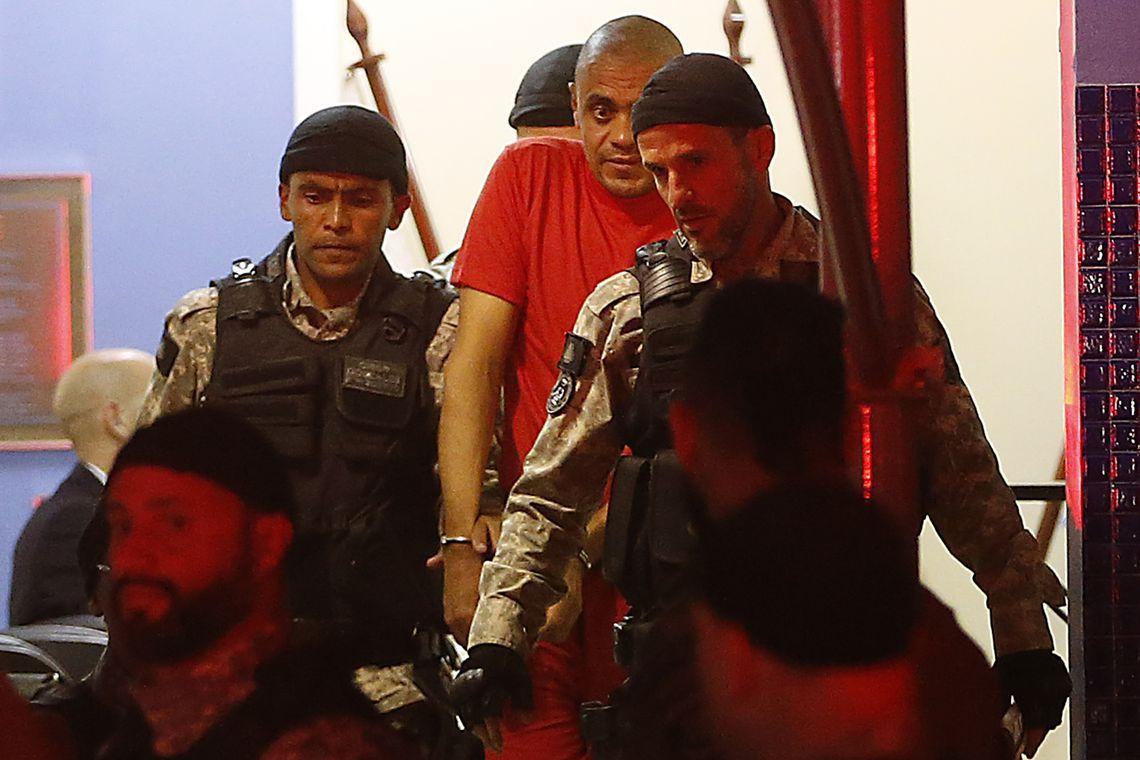 Agressor do deputado Jair Bolsonaro, Adélio Bispo, deixa a Polícia Federal em Juiz de Fora após cerca de três horas de interrogatório