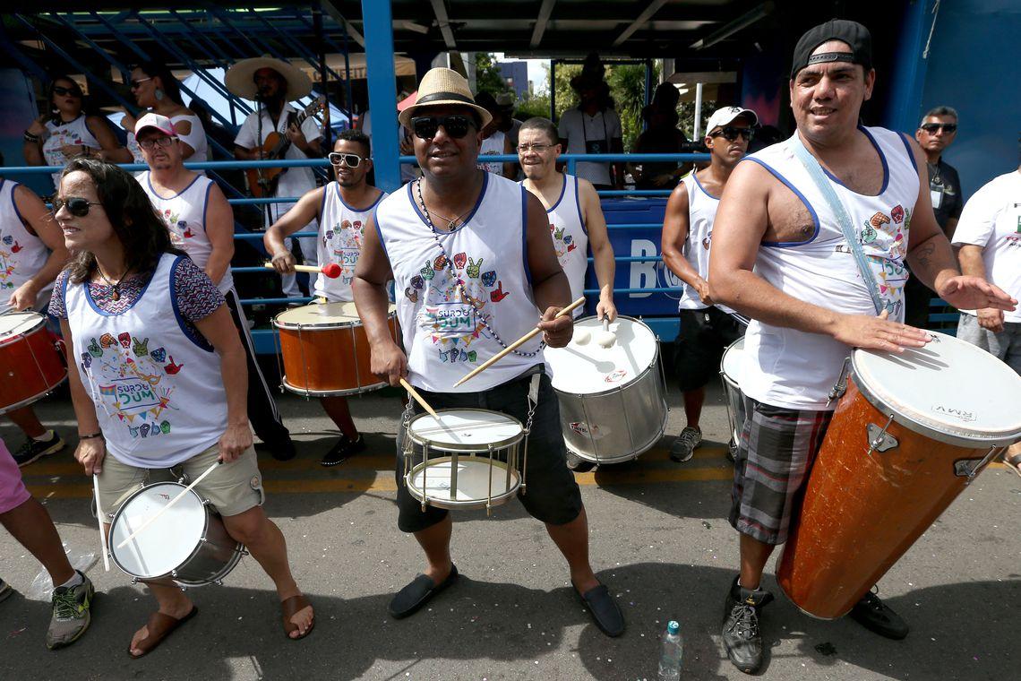 Brasília - Bloco Surdodum embala foliões no carnaval brasiliense (Wilson Dias/Agência Brasil)