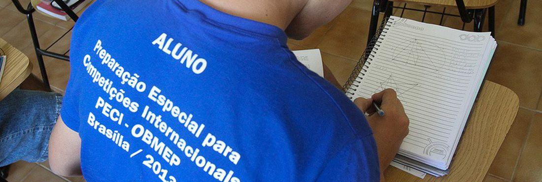 Treinamento de alunos para Olimpíadas Internacionais de Matemática, PECI-OBMEP