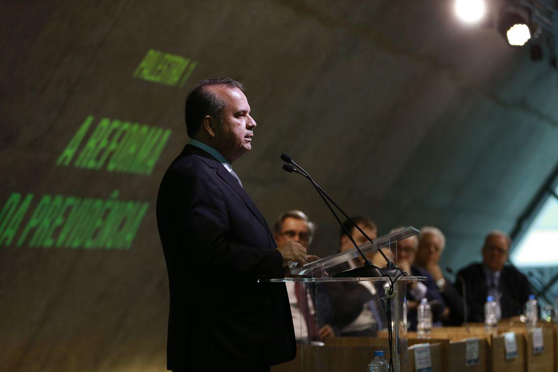 O secretário especial de Previdência e Trabalho, Rogério Marinho, fala no Seminário