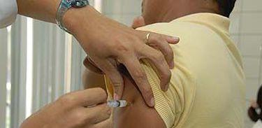 Vacinação contra a febre amarela - Divulgação/Prefeitura Municipal de Vitória