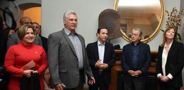 O presidente de Cuba, Miguel Diaz-Canel durante evento com artistas norte-americanos no edifício Dakota, em Nova Iorque