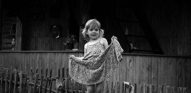 Menina de vestido