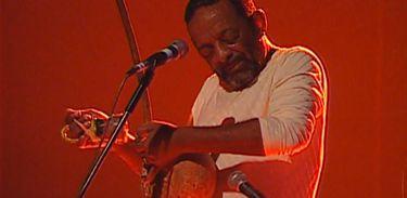 Recordar é TV homenageia o percussionista Naná Vasconcelos