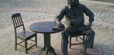 estátua Vinicius de Moraes