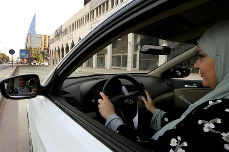 A partir de 24 de junho, mulheres sauditas ganham o direito de dirigir