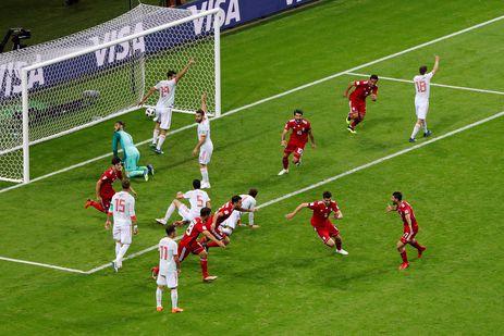 Copa 2018: Espanha e Irã. Gol do Irã anulado depois de uma revisão VAR.