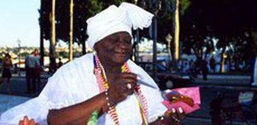 Baiana do acarajé tem sua ocupação reconhecida