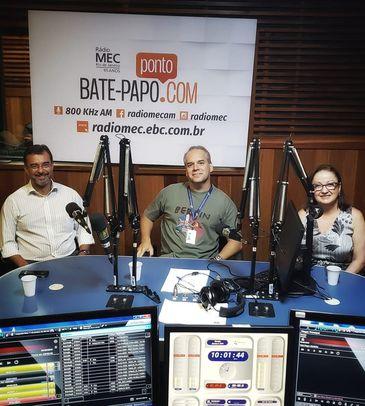 Cadu Freitas conversa com os especialistas Sônia dos Santos e José Luiz Lordello
