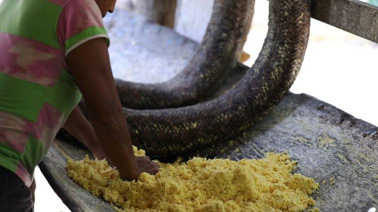 A farinha é produzida pela comunidade local