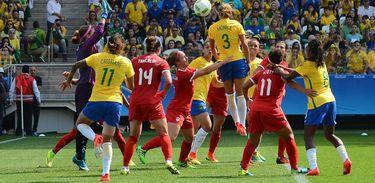 Brasil e Canadá em jogo de 2016