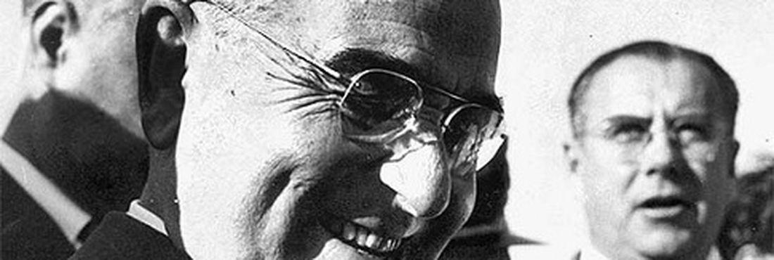 Através do Departamento de Imprensa e Propaganda, Getúlio Vargas reprimiu a imprensa brasileira na época.