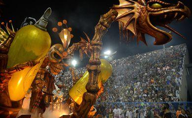 Rio de Janeiro - Desfile da escola de samba do grupo especial Acadêmicos do Salgueiro, no Sambódromo (Fernando Frazão/Agência Brasil)