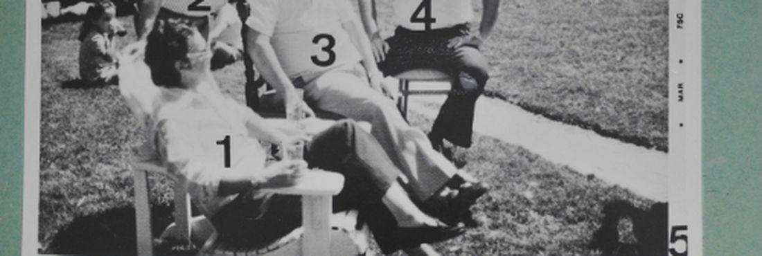 Imagens inéditas do aniversário de 55 anos do ex-presidente João Goular no exílio. As fotos foram tiradas por um agente infiltrado. Os números são anotações dos militares.