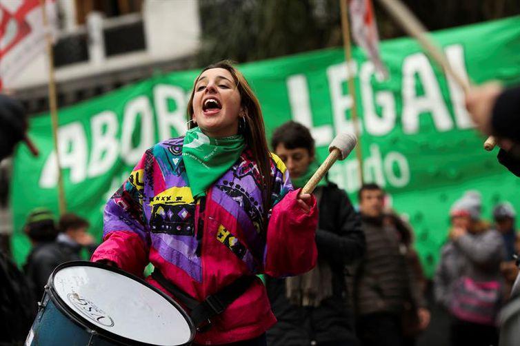 Manifestação pela descriminalização do aborto na Argentina
