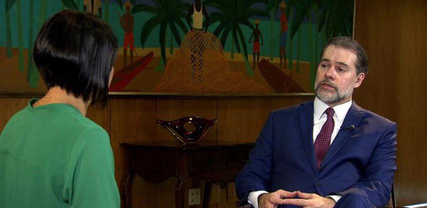 """""""A democracia é um jogo difícil de ser jogado"""", diz Toffoli ao Conversa com Roseann Kennedy"""