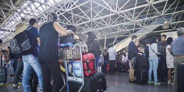 Cobrança de bagagens aéreas bagagem aeroporto