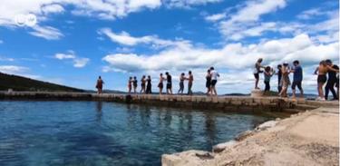 Camarote 21 mostra  tripulação forrozeira em festival itinerante no Mar Adriático