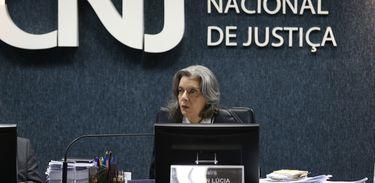 Brasília - A ministra Cármen Lúcia preside a primeira reunião do Conselho Nacional de Justiça depois que assumiu a presidência do STF. O encontro tem por objetivo julgar processos administrativos e disciplinares ( Elza Fiuza/ Agência Brasil