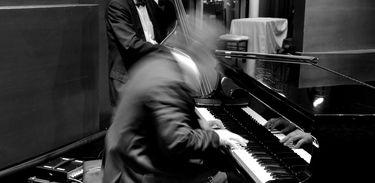 Jazz piano e baixo