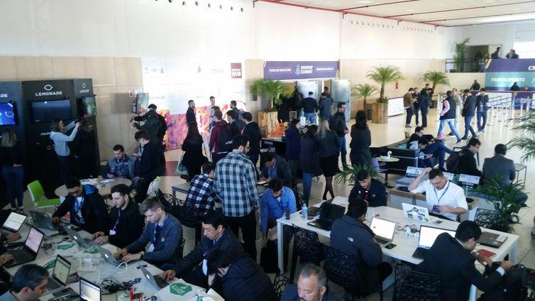 Startup Summit, promovido pelo Sebrae, reuniu empreendedores de inovação em Florianopólis