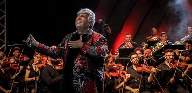 Sidney Magal canta com Orquestra Sinfônica da Bahia no Verão Show da TV Brasil