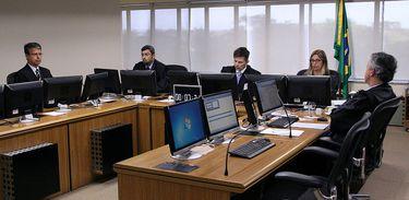 Turma do TRF4 julga recurso do ex-presidente Luiz Inácio Lula da Silva em caso do triplex.