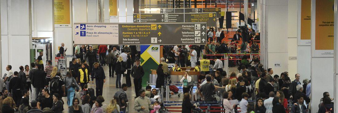 Consórcio será responsável por ampliar e operar o aeroporto. té 2016, será investido R$1,15 bilhão no empreendimento