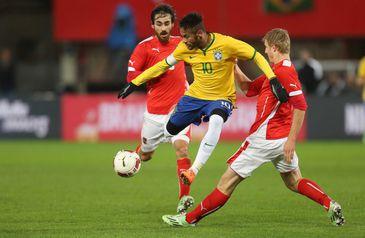 Seleção brasileira de futebol enfrenta a Áustria