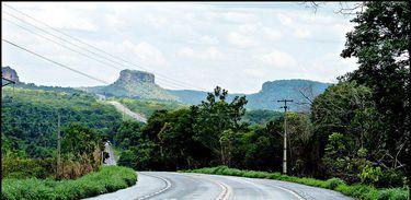 BR- 230, a Estrada do Parque Nacional da Chapada das Mesas