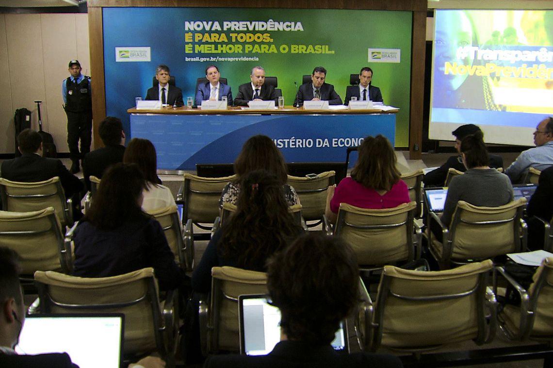 Técnicos do Ministério da Economia divulgam dados segregados da nova previdência.