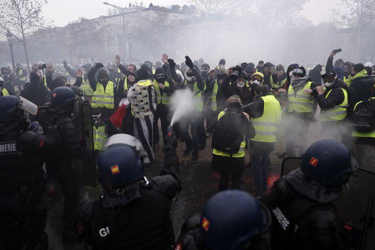 Paris, protestos, Coletes amarelos