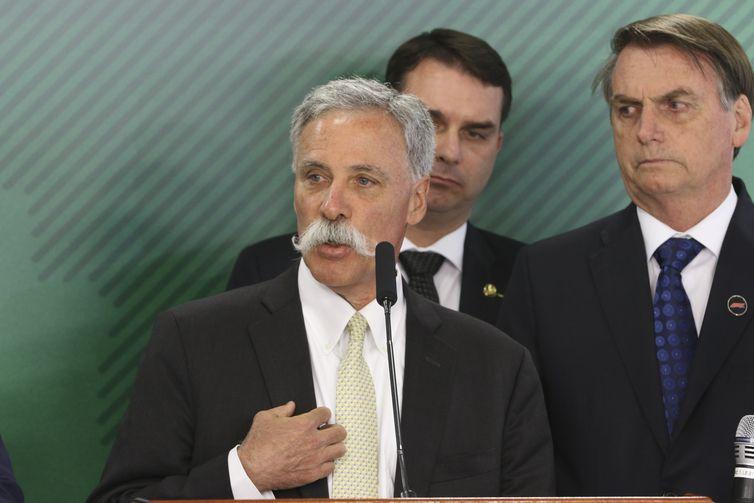 CEO da Liberty Media, grupo que comanda a Fórmula 1, Chase Carey, durante encontro com o presidente da República, Jair Bolsonaro, no Palácio do Planalto.