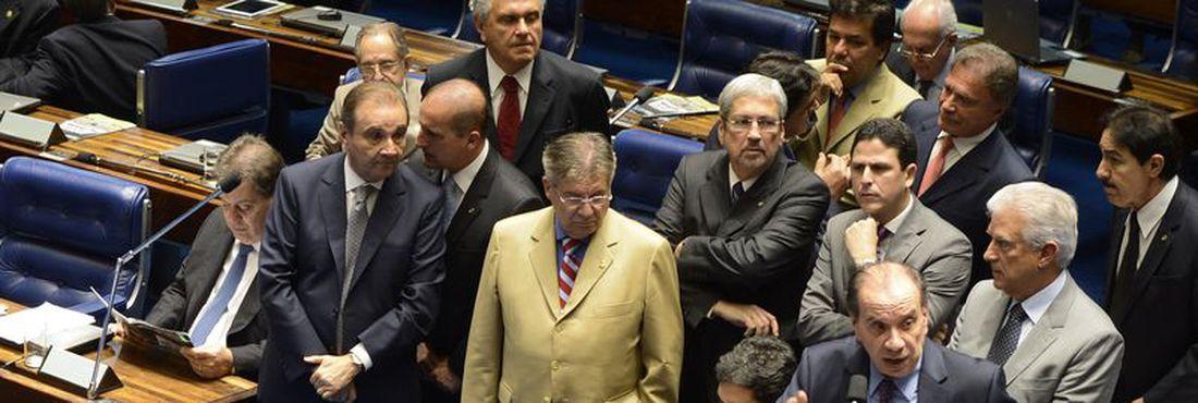 Plenário do Senado Discute a instauração de CPI da Petrobrás