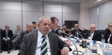 O ex-presidente Luiz Inácio Lula da Silva presta depoimento ao juiz Sérgio Moro