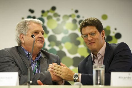 O ministro do Meio Ambiente, Ricardo Salles, dá posse ao novo presidente do Instituto Chico Mendes de Conservação da Biodiversidade (ICMBio), Adalberto Eberhard.