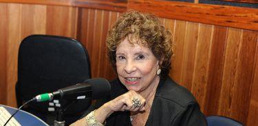 Dayse Lucidi completa 90 anos