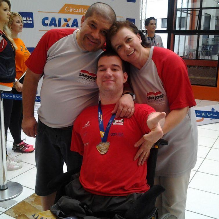 Nadador Bruno Becker conquista medalha de bronze no Parapan de Lima,