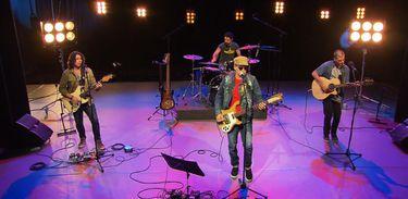 Rodrigo Santos apresenta clássicos do pop rock nacional no Todas as Bossas