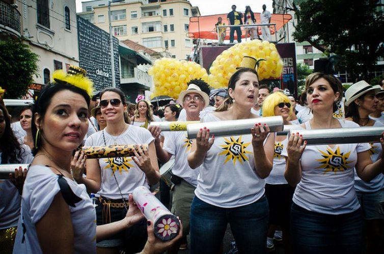 Acadêmicos do Baixo Augusta se apresentam nas ruas centrais de São Paulo, em 2015