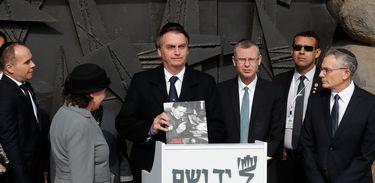 Presidente da República, Jair Bolsonaro, durante cerimônia de oferenda floral, no Hall da Memória Localizado no Yad Vashem, Centro Mundial de Memória do Holocausto.