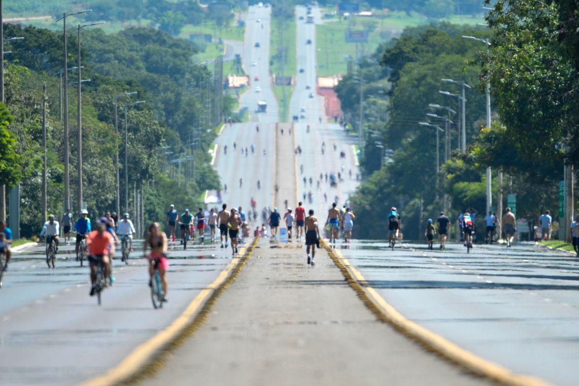 Brasília completa 59 anos.
