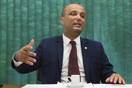 Líder do governo na Câmara, deputado Major Vitor Hugo (PSL-GO), durante entrevista exclusiva à Agencia Brasil