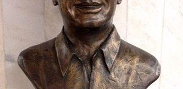Busto Radialista Haroldo de Andrade