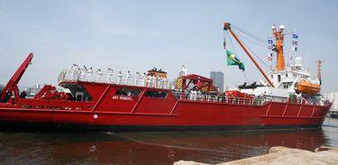 Rio de Janeiro - Navio de Apoio Oceanográfico Ary Rongel parte rumo à Antártica para realizar apoio aos Módulos Antárticos Emergenciais (MAE). (Tomaz Silva/Agência Brasil)
