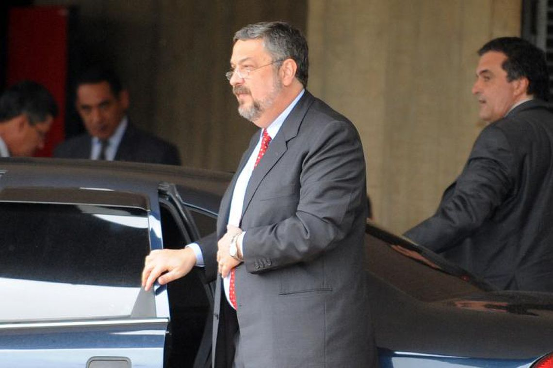 Os advogados também questionam a competência da Justiça Federal para julgar Palocci