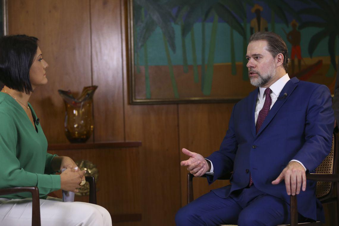 O presidente da República em exercício, Dias Toffoli, durante entrevista exclusiva à jornalista Roseann Kennedy, da TV Brasil.
