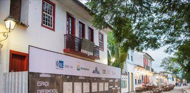 Obras de restauração do antigo cinema de Paraty